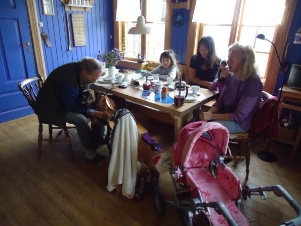 Inne på kjøkkenet til Pilegrimsloftet Borkerud