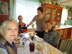 Frokost på kjøkkenetpå Segard Hoel.